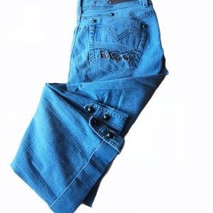 Blue Floral Capri Jeans w/ Embroidery